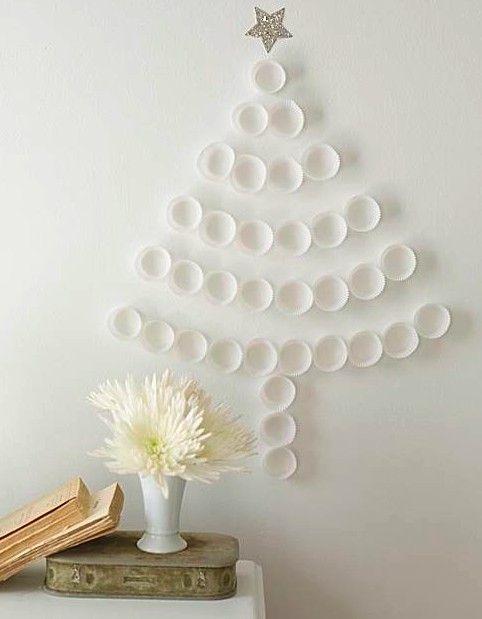 Arbre de Noël avec les revêtements de papier blanc gâteau ~ Sweet Paul (Trouvé via rêveries ~ http://www.flor.com/blog/)