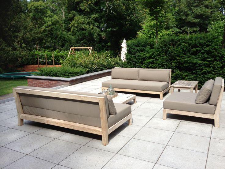 Loungeset van gerecycled TEAK uit de collectie van ROYAL DESIGN uit Nunspeet. http://www.royaldesign.nl/lounge-tuinmeubelen