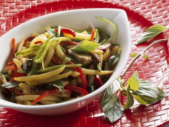 Gebratenes Gemüse und Kartoffel und Shiitake ist ein Rezept mit frischen Zutaten aus der Kategorie Wurzelgemüse. Probieren Sie dieses und weitere Rezepte von EAT SMARTER!