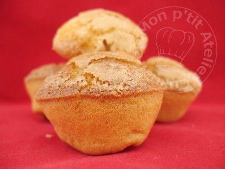 madeleines espagnoles à la vanille Aujourd'hui j'ai fait une petite recette rapide pour le café, que j'ai découverte il y a quelques jours chez Maiween. Avec le croquant du sucre par-dessus, c'est une vrai gourmandise. Madeleines Espagnoles au Flan à la Vanille Ingrédients : Pour 24 Mini-Muffins...