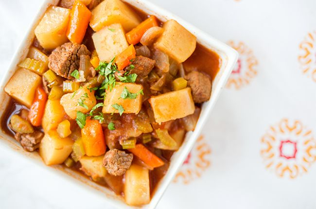 This healthy beef stew practically cooks itself in the slow cooker! Just add beef, veggies, broth and cook. 247 calories never tasted so good!