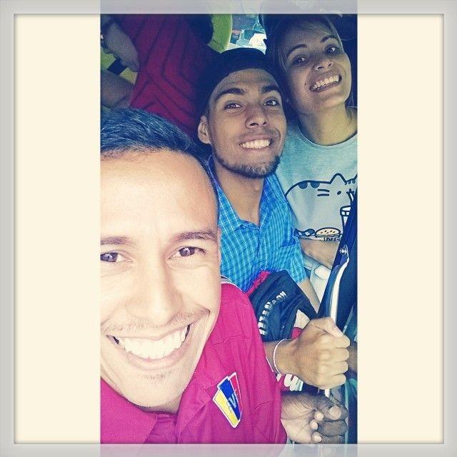 Causalmente en el camino tienes a Gente Bella  #Vida #Parejita #Caracas #Venezuela