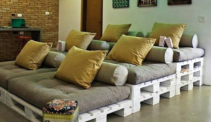 Below is the most unique DIY pallet wood re-purposing idea. this can be an awesome addition to your TV lounge or mini home theater. Its comfy as well as enough to cater the union of all family members. This will surely strengthen your family bond!