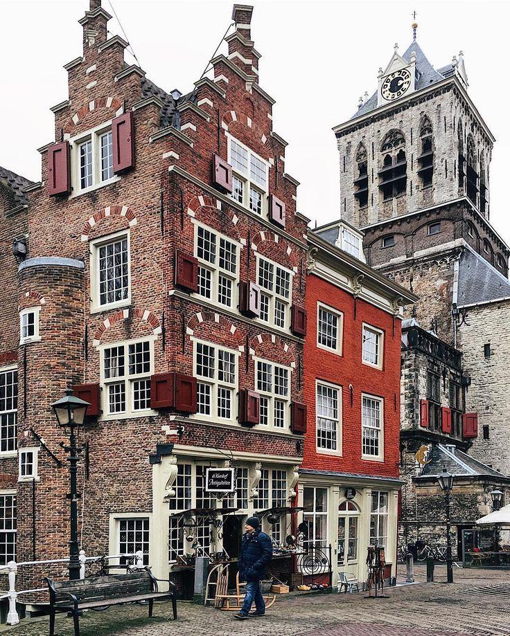 Weer zo'n mooi plekje in Delft waar ik vele honderden keren moet zijn langsgelopen en-gefietst