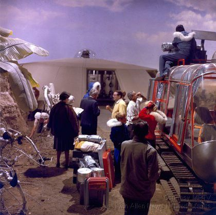 On the set of Lost in Space #lostinspace #irwinallen #behindthescene