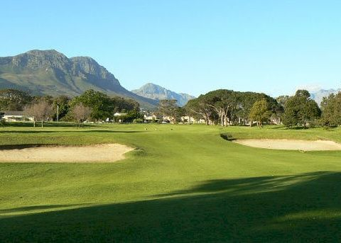 One of the many golf courses within 10 minutes driving from Cape Vermeer
