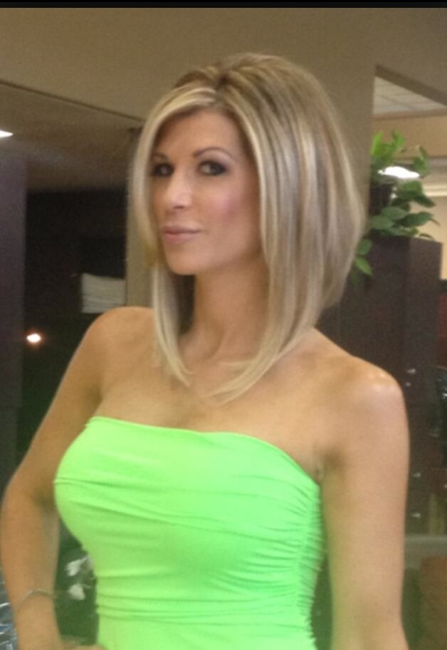 Alexis Bellino bob haircut.