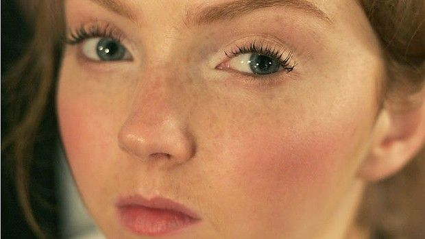 How to apply concealer like an expert