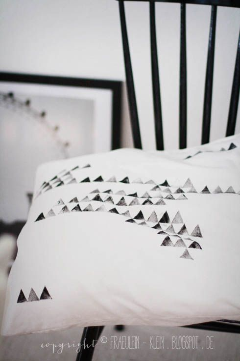 fr ulein klein beds pillow covers and diy bed. Black Bedroom Furniture Sets. Home Design Ideas