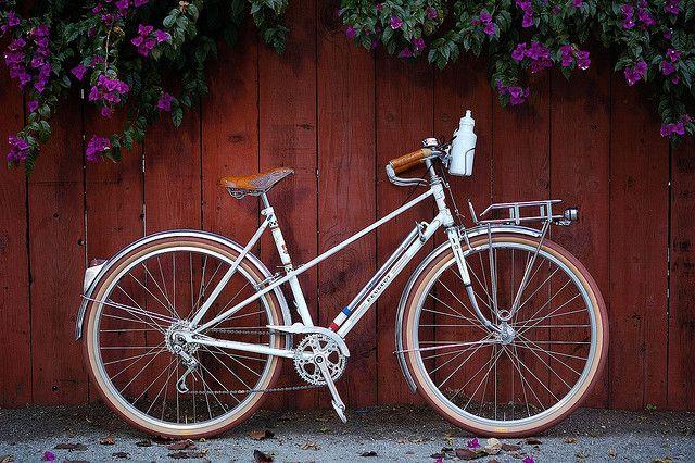 "Baker Sadie's new #bike build-up inspiration! #Peugeot Mixte #Bike w Porteur rack + ""Hêtre"" Tires via Vélocia"