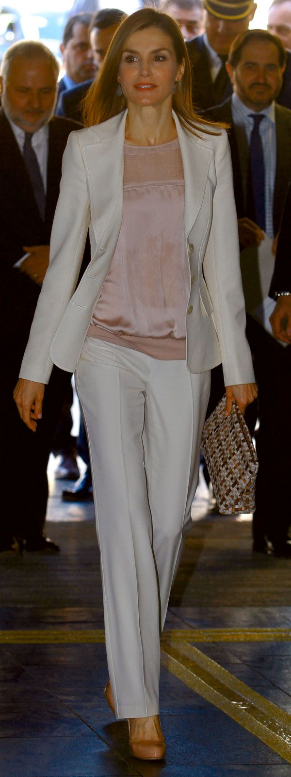 15 April 2015 - Queen Letizia attends the opening of a congress in Barcellona - suit by Felipe Varela