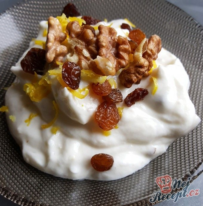 Tvarohový dezert s ořechy