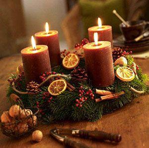 Repül az idő, lassan itt az adventi időszak, aminek egyik legfontosabb eleme az adventi koszorú. A koszorú legfontosabb része a 4 gyertya, a hagyomány szerint három lila és egy rózsaszín, Karácsony előtt minden héten egy-egy újabb gyertya meggyújtásával közeledünk az ünnep…