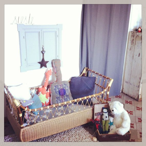 Lit en rotin vintage bed in rattan par Antiquesfrenchshms sur Etsy, €120.00