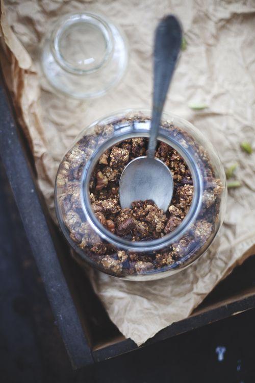 Granola med fikon & valnötter | Det gröna skafferiet