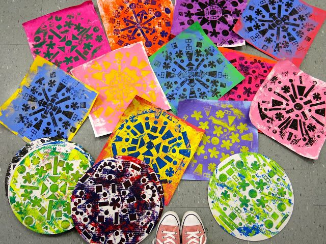 I love a project that leads right into another. I also love a project where there is zero waste. 'Tis the reason I'm totes lovin' this Radial Relief by the Fantastic Fourth Grade! If these look famili