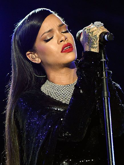 WATCH: Rihanna Pays Tribute to Victims of Nice Attack During Concert in Lyon http://www.people.com/article/rihanna-tribute-nice-victims-during-lyon-concert