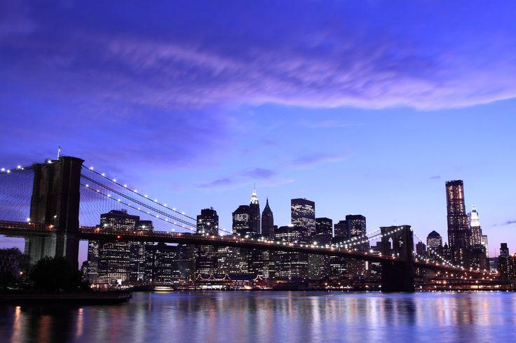 Nova york, Nova york, cidade, cidade, ponte do brooklyn, brooklyn bridge, luzes de noite, céu, nuvens Vetor