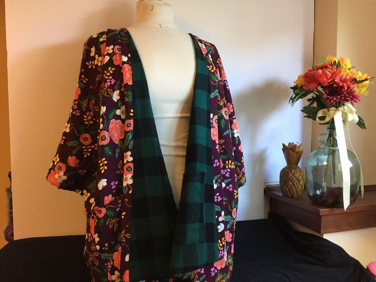 Cozy up! Reversible Rifle Paper Company floral green/eggplant kimono layering jacket in one size (plus) #etsy #clothing #women #jacket #purple #green #onesizeplus #plussizerobe #plussize #reversible