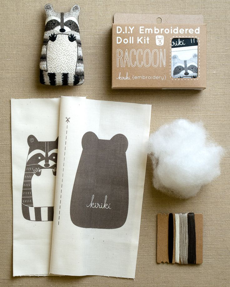 Ideia deliciosa - DIY toy bordado. Lembram dos livros de colorir? É a mesma coisa, mas nesse caso a pintura é feita com bordado (: