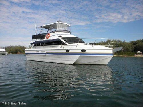 Awesome! Phoenix-Hydrofields 45' Motor Cruiser