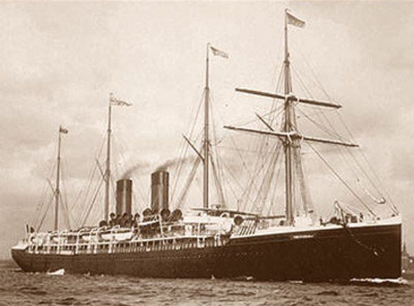 El 4 de julio de 1898, el forro francés La Bourgogne chocó en una niebla densa con Cromartyshire velero.  El accidente provocó la muerte de 561 personas, por lo que es el peor desastre en la historia de la Compañía Transatlántica general.