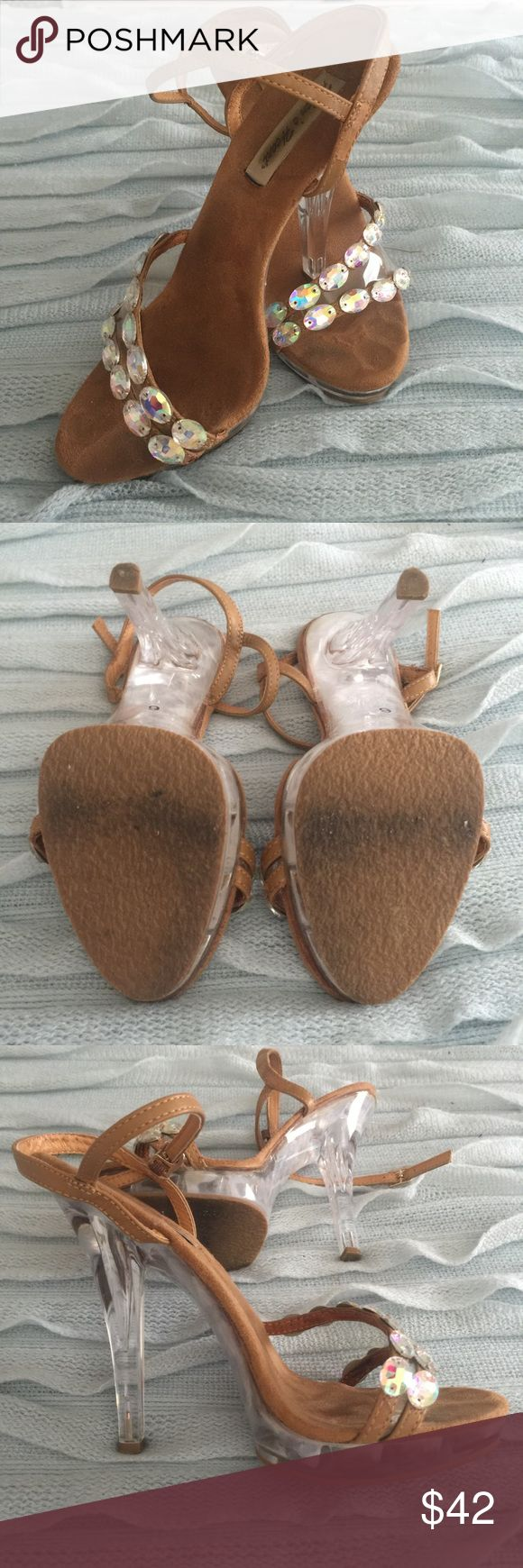 Helen's Heart AB 💎 pageant shoe 6 💎 Super cute and comfortable shoe, worn less than ten times and only ever inside. Super comfortable! Helen's Heart Shoes Heels