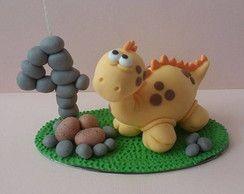 Topo de bolo dinossauro amarelo