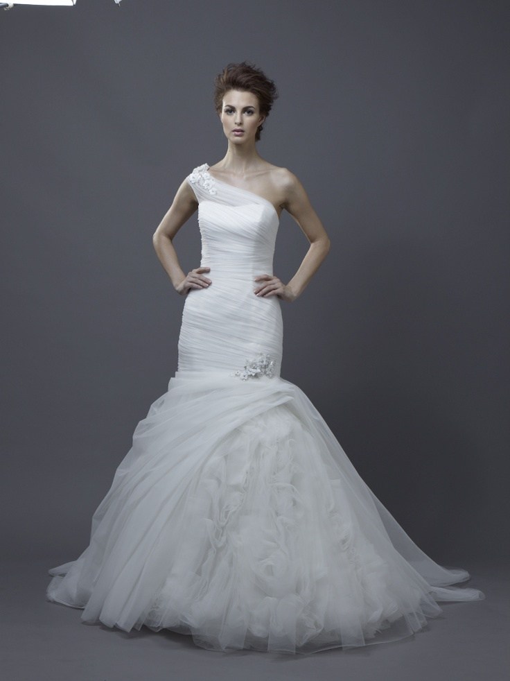 Igen Szalon Enzoani wedding dress - Hadana #igenszalon #weddingdress #enzoani