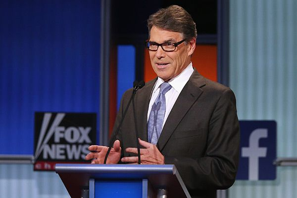 Whoops! During an event before the Aug. 6 Republican Presidential debate, former Texas Governor Rick Perry made a huge blunder! Rick screwed up Ronald Reagan's name and the Internet exploded with #RonaldRaven memes! Click to see!