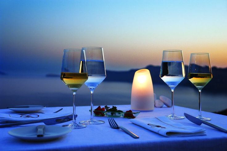 Exceptional alfresco dining above stunning views