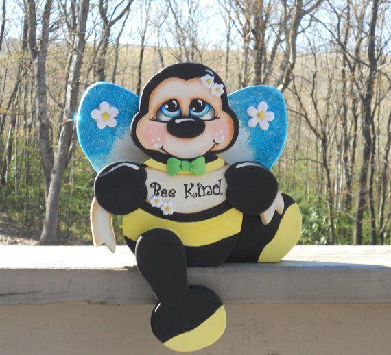 Bumble bee shelf sitter wood craft