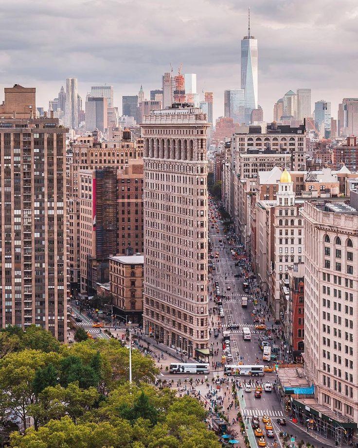 Flatiron building / Flatiron District / New York