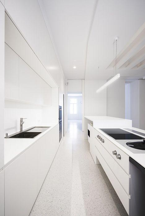 Beletage Apartment in Vienna by Alex Graef _