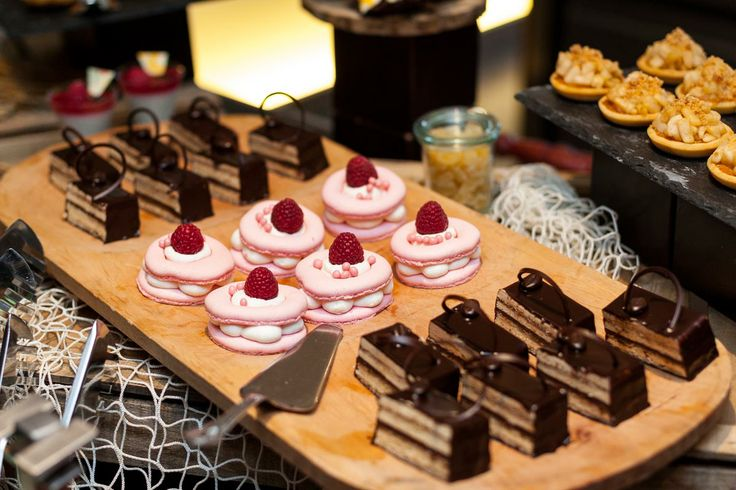 Dessert offer at Market Brunch at Paris Budapest Restaurant