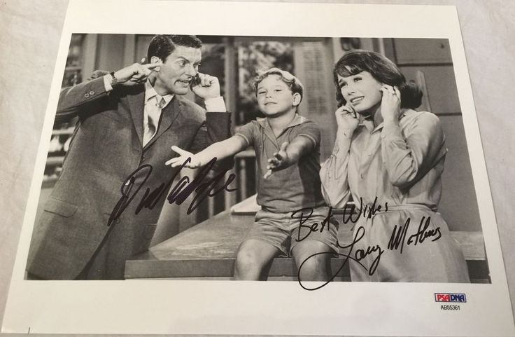 DICK VAN DYKE & Larry Mathews Signed Dick Van Dyke Show 8x10 Photo PSA/DNA COA!