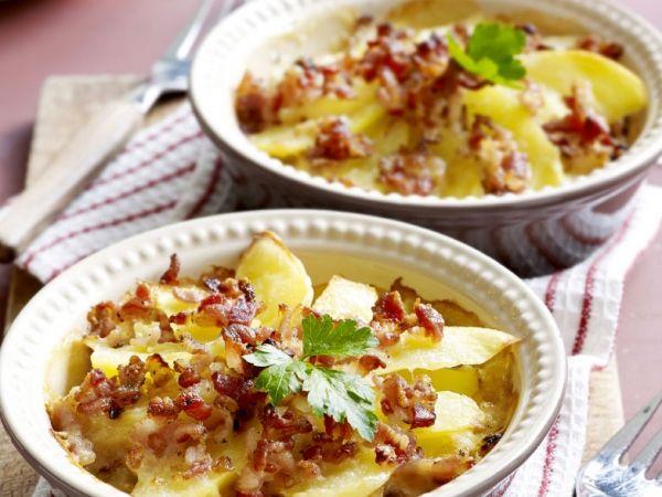 Aardappelschotel met pittige crumble - Libelle Lekker!