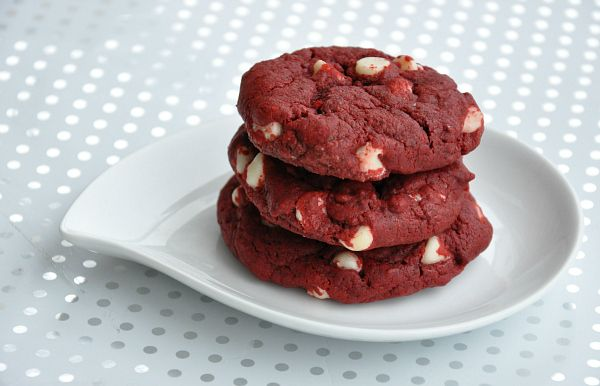 red velvet COOKIES.Cake Cookies, White Chocolates, Food, Chocolates Cookies, Holiday Cookies, Chocolate Cookies, Red Velvet Cookies, Redvelvet, Red Velvet Cakes