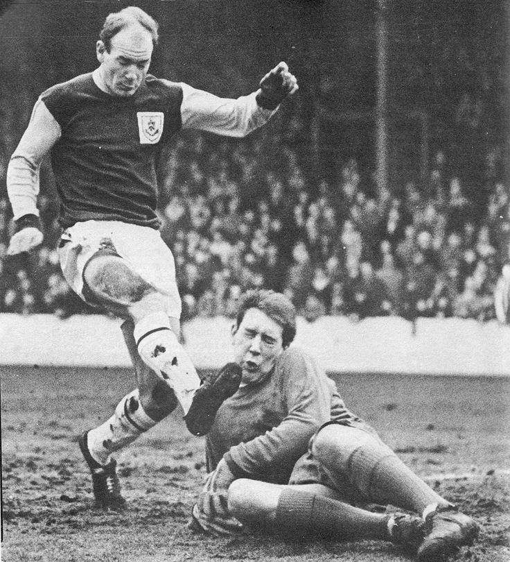 14th january 1967 newcastle united goalkeeper gordon