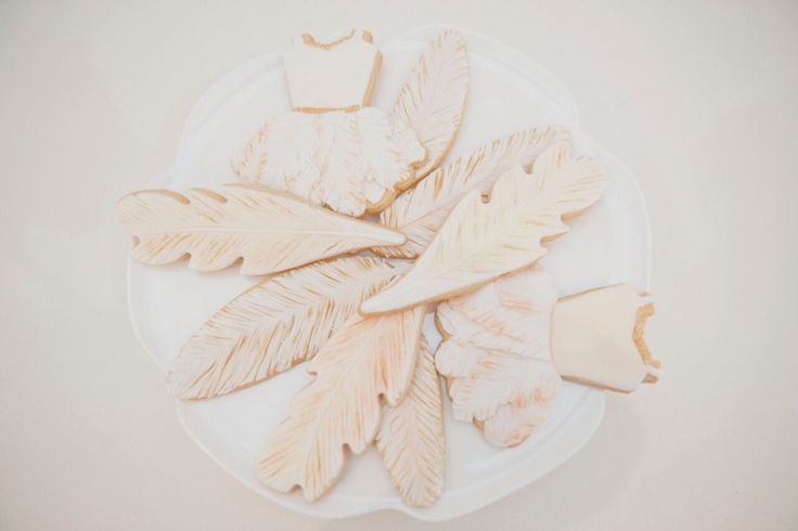 Swan Lake party food: feather cookies is a beautiful shade of ballet pink.
