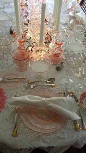 Pink depression glass and Fostoria American Clear Crystal place settings. Gorgeous!