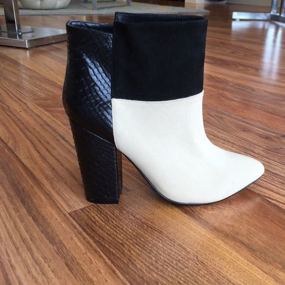 NWT Chinese Laundry Kristin Cavalari Allure NWT, brand new, never worn. High quality craftsmanship. Leather and suede patchwork. Statement shoe, great for night out!! More sizes available! Chinese Laundry Shoes Ankle Boots & Booties