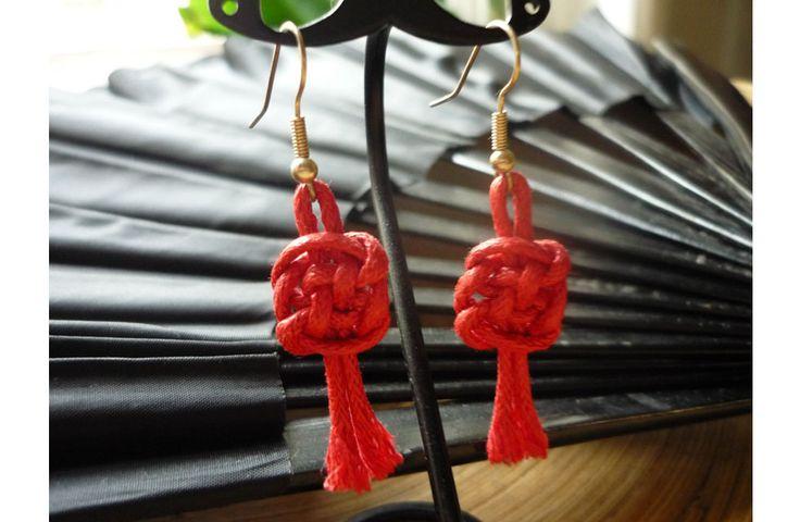 Ohrringe, gefertigt aus einer Baumwollkordel