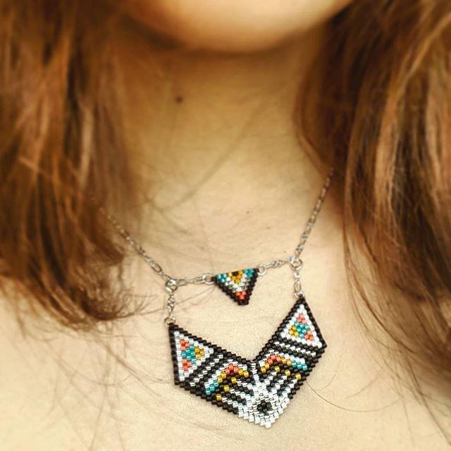 Nouveau collier peyote esprit ethnique. Et dire que je voulais faire un sautoir…
