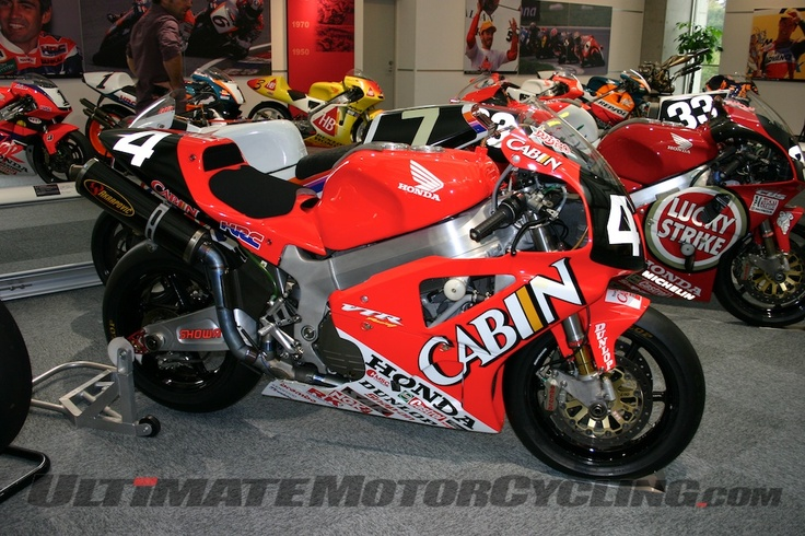 2000 Cabin Honda VTR1000SPW vee-twin as ridden by Ukawa and Katoh to victory in the Suzuka 8 hours.