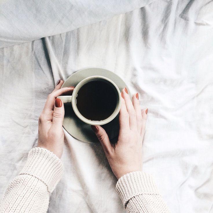 Coffee, bed, morning instagram @anyaklyueva