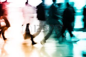 foule flou: gens d'affaires de la ville abstrait flou de mouvement