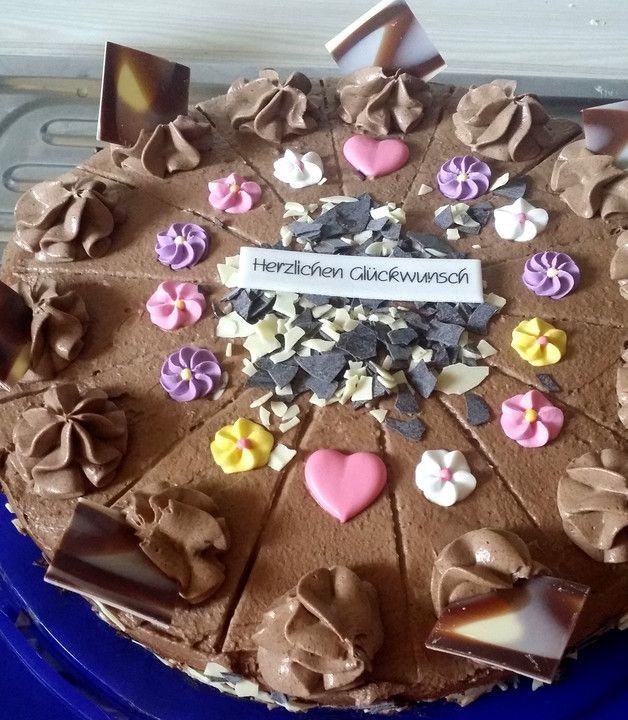Schoko - Sahne - Torte, ein sehr schönes Rezept aus der Kategorie Torten. Bewertungen: 42. Durchschnitt: Ø 4,4.