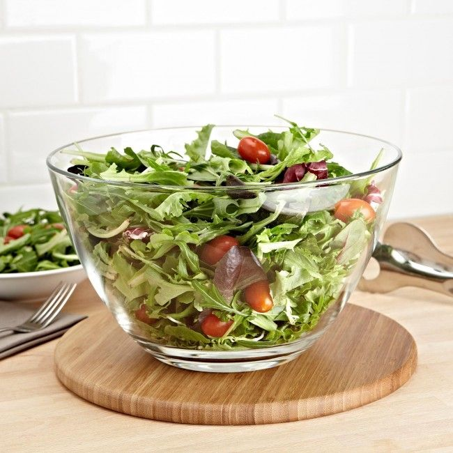 Serving and showcasing just got a whole lot prettier, thanks to the Borgonovo Palladio Glass Salad Bowl.