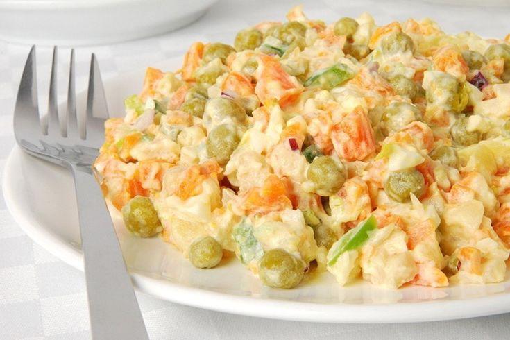Ищите рецепты легких салатиков на каждый день или к праздничному столу? Этот салат стал одним из моих любимых. Легкие ингредиенты и ни грамма майонеза в составе — идеальный для девушек, которые следят за фигурой. Дорогие наши дамы, в преддверии новогодних праздников мы будем искать для вас рецепты вкусных салатов, которые не навредят вашей фигуре. Их …